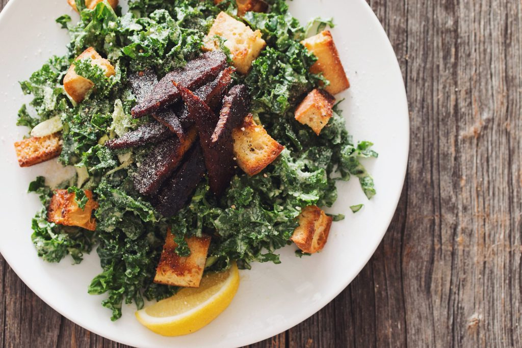 vegan kale caesar salad with tempeh bacon_hot for food