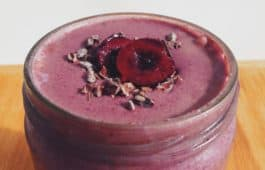 the frozen chocolate cherry smoothie_hot for food