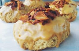 maple bacon oat scone_hot for food