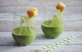 the green mango smoothie_hot for food