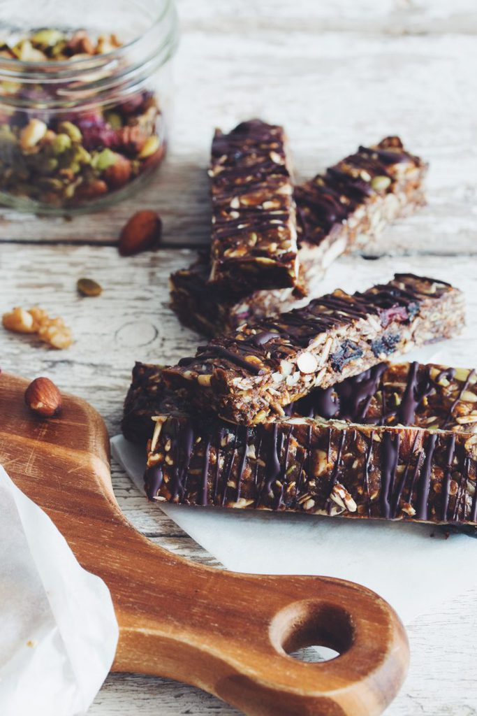 no bake fruit and nut granola bars_hot for food