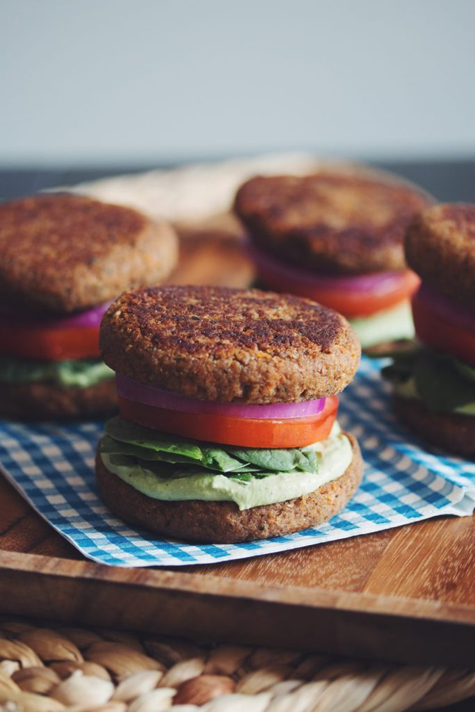 lentil walnut burger buns with creamy cashew pesto_hot for food