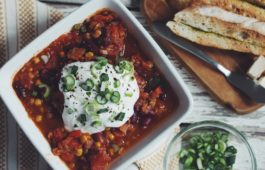 easy vegan chili_hot for food