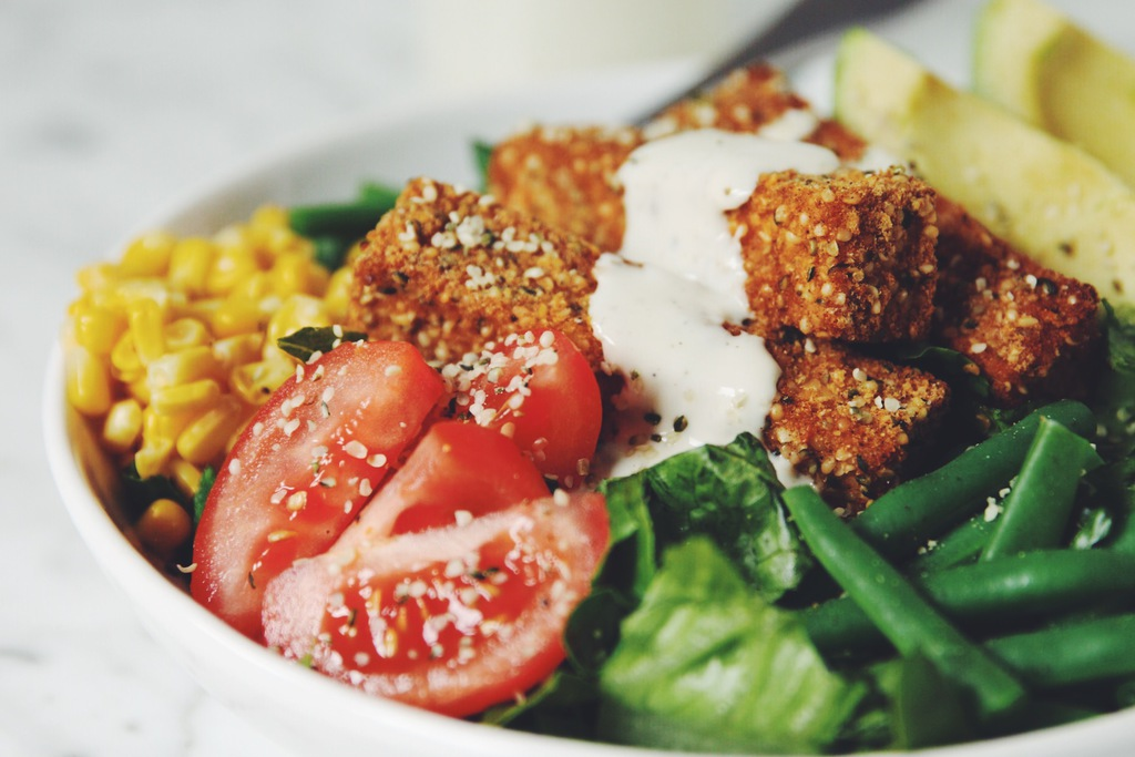 hemp crusted tofu cobb salad_hot for food