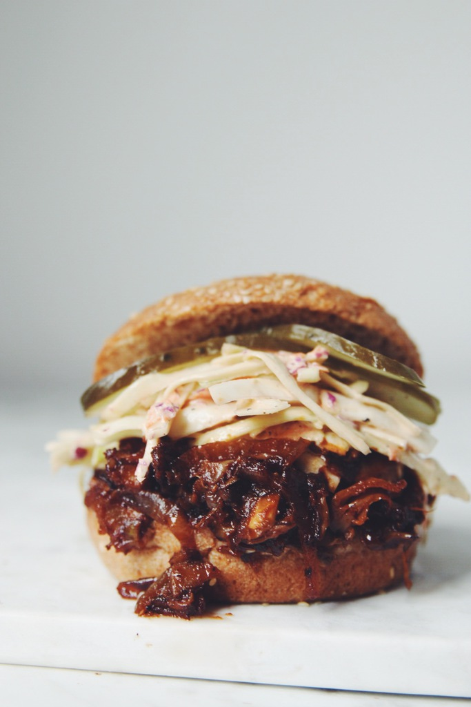 easy vegan pulled pork sandwiches