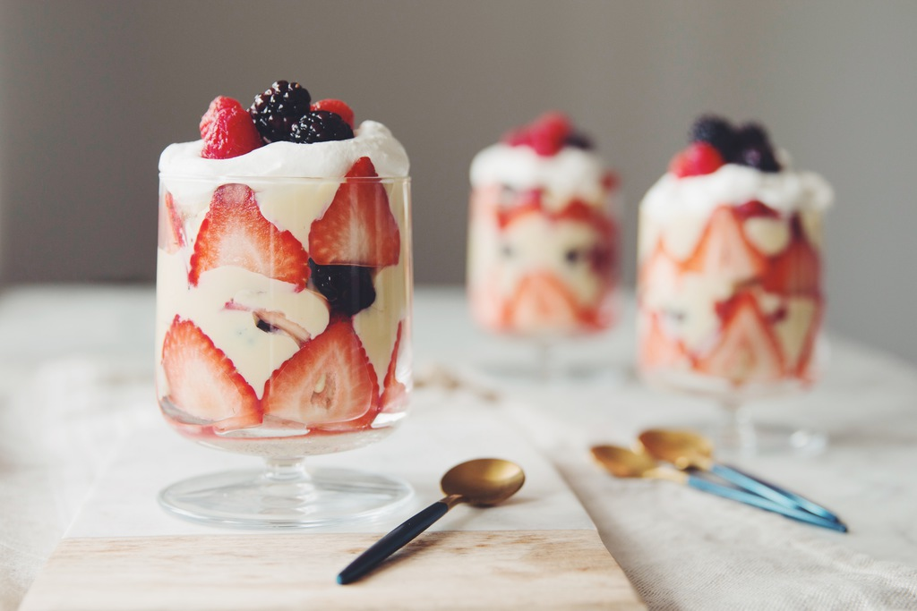 vegan english trifle with custard