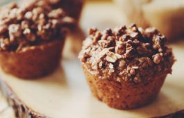 vegan banan breakfast muffins_hot for food