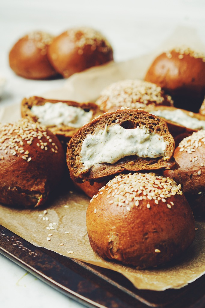 pumpernickel bagel bombs_hot for food