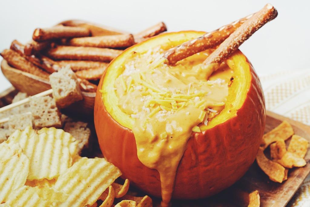 vegan pumpkin cheese fondue_hot for food
