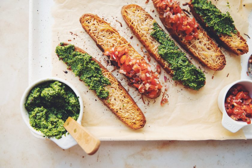 kale pesto crostini_hot for food