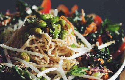 asian noodle salad with edamame & sweet ginger dressing_hot for food