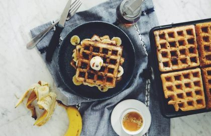 chocolate chip banana waffles (vegan)_hotforfood