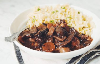 vegan mushroom bouguignon_hot for food