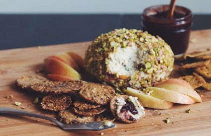 pistachio crusted cheeseball_hot for food
