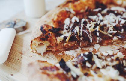stuffed crust donair pizza