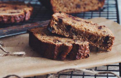 vegan chocolate chip banana bread_hot for food